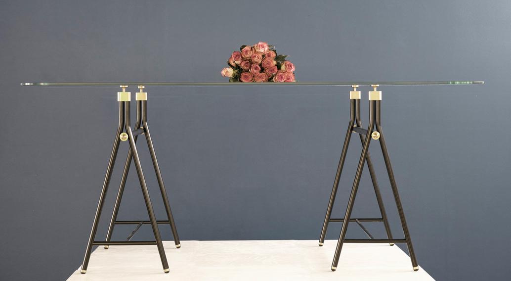 Loulou_Hoda-Table
